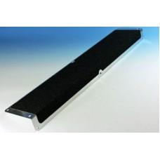 Алюминиевый угол 120 мм Х 45 мм с противоскользящей лентой