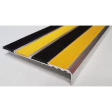 Алюминиевый угол-порог с тремя резиновыми вставками и пазом под ленту 131мм х 22мм